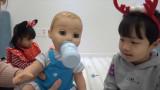 크리스마스 선물로 쌍둥이 동생이 생기다?!