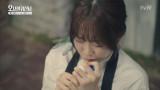무당의 피를 이어받아 귀신을 보는 봉선(박보영)