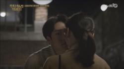 고경표♥류혜영 키스중 ′아줌마 3인방′에 딱걸렸다!