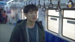 이제훈VS백현진 지하철 진격의 싸움 (Feat.미래실종)