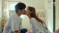 '달달' 이상윤♥이성경 모닝 키스로 시작하는 하루