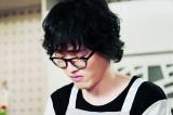 첫 정극연기 도전 '조정치' 앞치마가 유니폼인 찌질남편의 생활연기