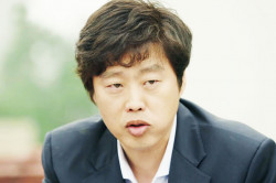 """김희원 """"뭐? 겨우 신문지?"""" 윤두준 성대모사 도전!"""