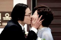 둘째 ′딸′ 류준열이 준비한 김성균♥라미란 결혼식