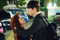 박해진-김고은, 첫 키스는 도둑키스!